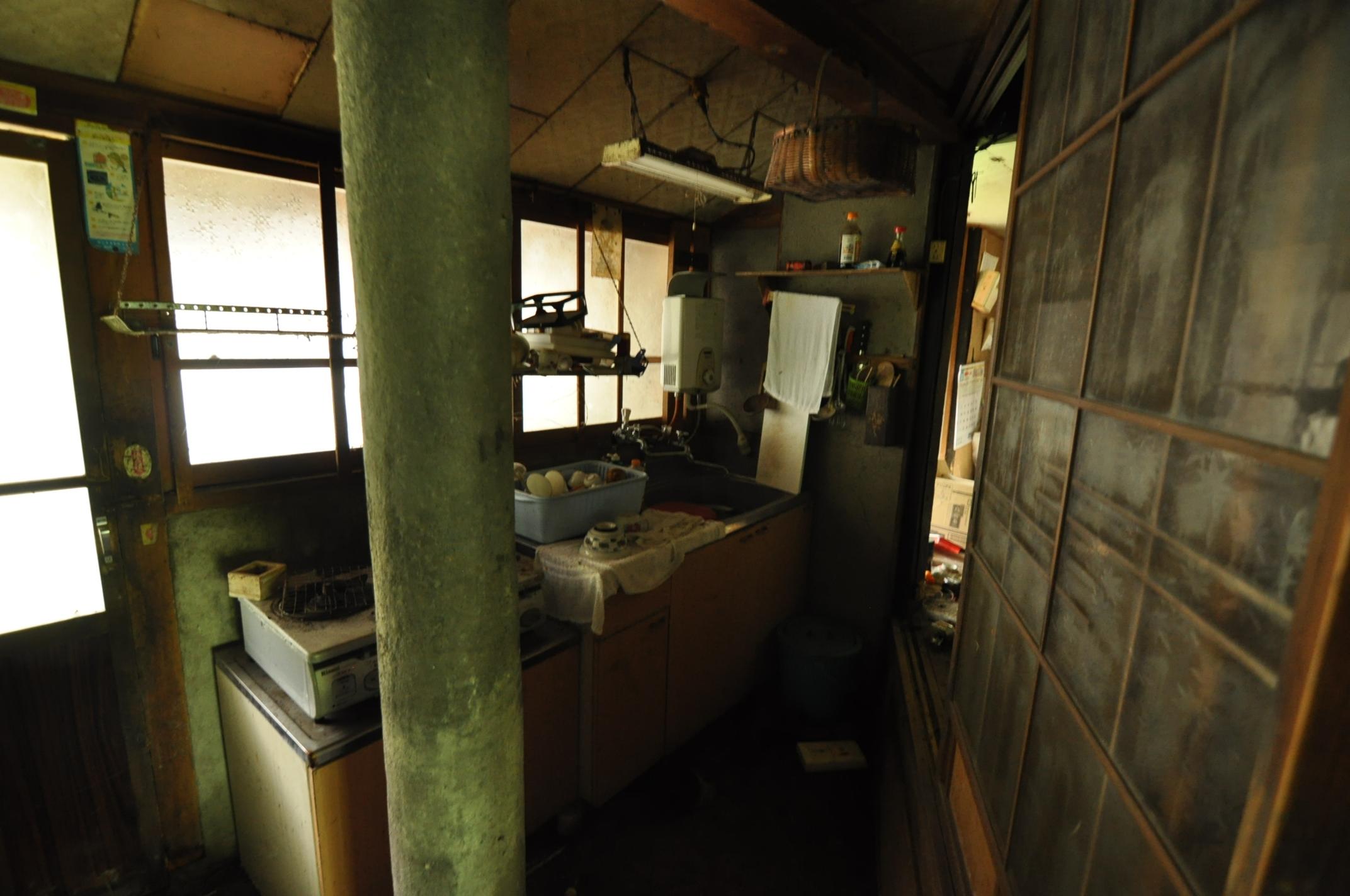 築200年の古民家、床を壊す!!|古民家再生DIY|キッチン