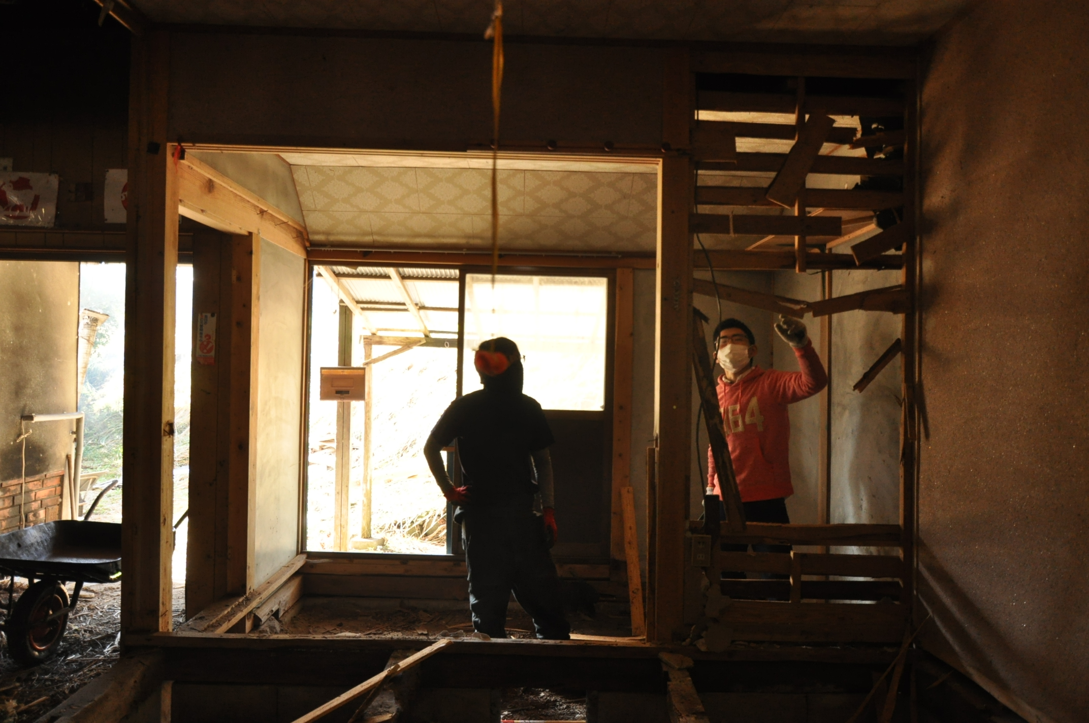 築200年の古民家、壁を壊す!!|古民家再生DIY