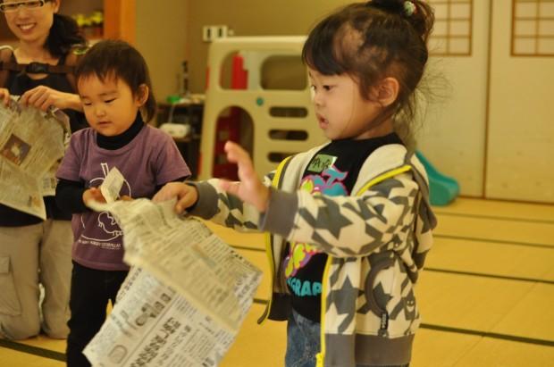 新聞遊び、くるみっこ、岡山、美作、梶並、自主保育、保育、幼稚園、子育て、自然、遊び