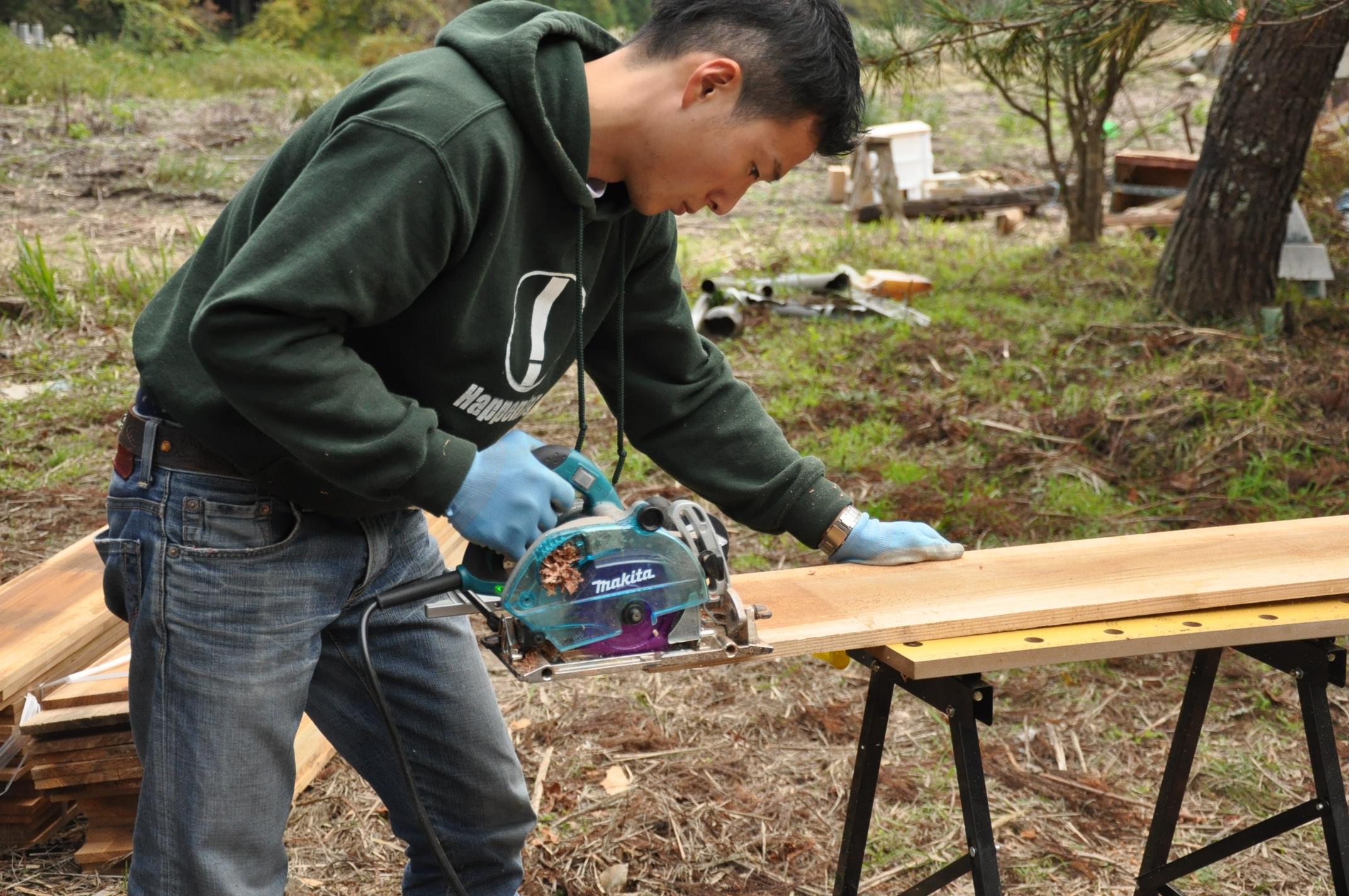 築200年の古民家、焼杉板を焼く!!|古民家再生DIY|溝きりカッター