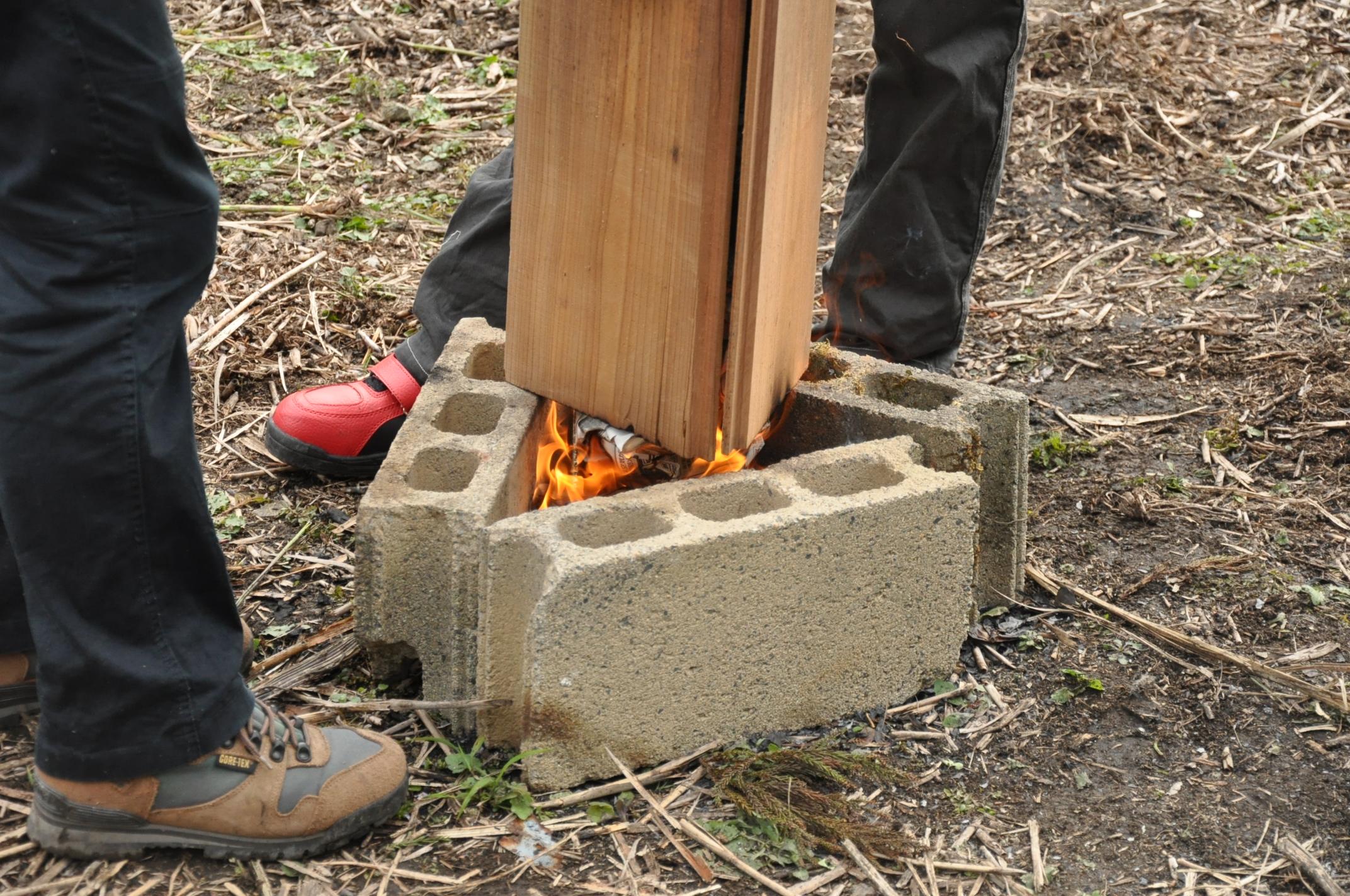 築200年の古民家、焼杉板を焼く!!|古民家再生DIY|火種2